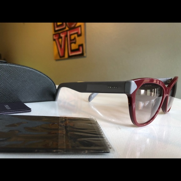 3832f01daa865 Prada Cateye Sunglasses SPR 21S